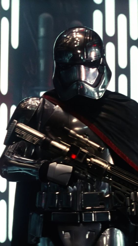 Captain Phasma FREE Pictures on GreePX