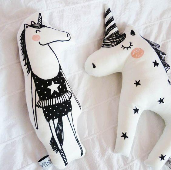 Zauberhaftes Kuschel Einhorn, Twinkle Star, 40 x 30 cm, Baumwolle, von Foxella & Friends