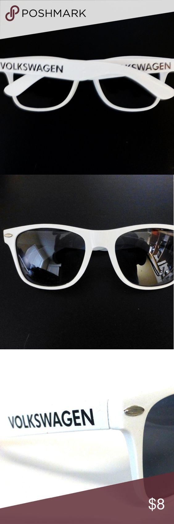 Volkswagen Wayfarer style promo sunglasses New Unisex style White plastic frame with gray lenses Volkswagen Accessories Sunglasses