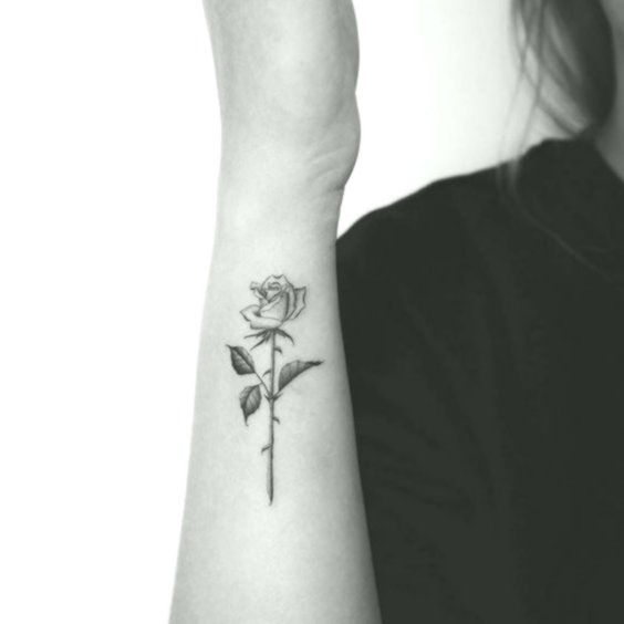 70 Simple Tiny Small Rose Tattoo Ideas For Women Forearmtattoos Ribcagetattoos Sternumtattoos Side Wrist Tattoos Rose Tattoos Small Rose Tattoo
