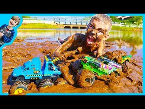 The Axel Show Trailer Youtube Monster Trucks Tow Truck Monster Track