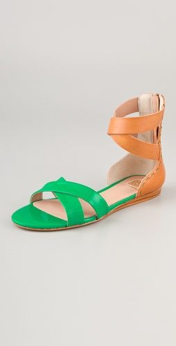 pop of green in this @PourLaVictoire sandal