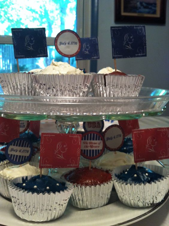 My very patriotic cupcakes  ^_^