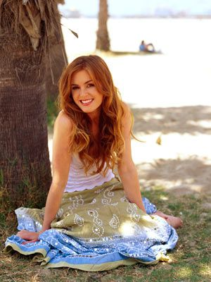 Isla Fisher... she looks darling here