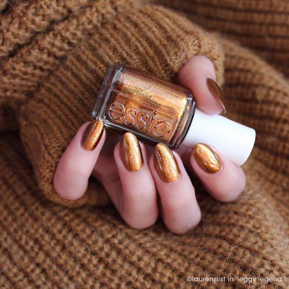 @laurenslist is a bronze beauty this #manimonday in 'leggy legend'.: