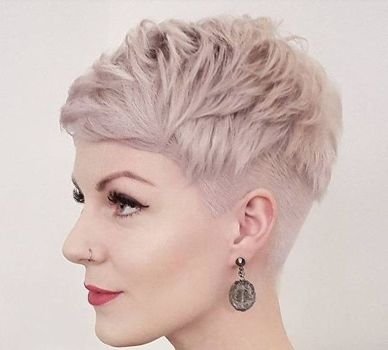 Frisuren Fur Damen Frisuren Stil Haar Kurze Und Lange Frisuren Kurze Pixie Haarschnitte Haarschnitt Kurz Pixie Haarschnitt