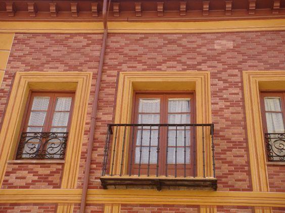 Decoraci n de fachada imitaci n de ladrillo y granito for Fachada de ladrillo