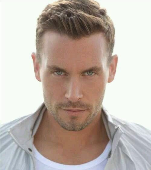 20 Cool Hairstyles For Guys With Big Foreheads 5 Mens Hairstyles Mens Hairstyles Short Short Hair Styles 2014