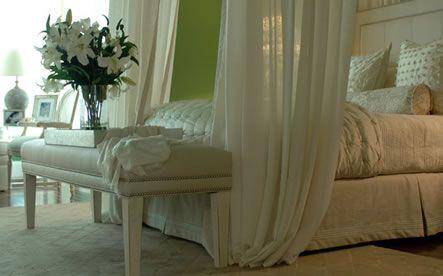 Google Image Result for http://pratamax.com/wp-content/uploads/2012/04/romantic-master-bedroom-decorating-ideas.jpg