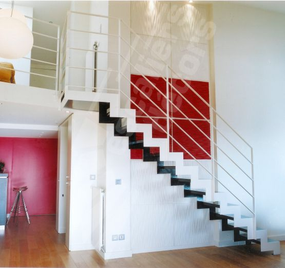 Pinterest le catalogue d 39 id es for Escalier metallique interieur