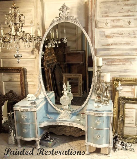 Before & After: Vanity Fit For a Queen | Stylish Patina
