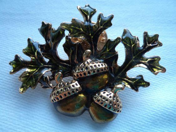 Vintage  Pin Tac/Pin Signed Avon Bronzetone Acorns by JoJosJJs