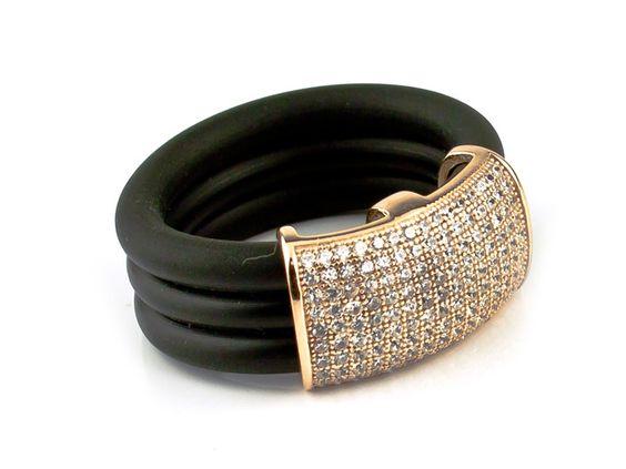 Anillo caucho, cuarzo y plata chapada oro www.asartinsilver.com #jewell #joyeria #asartinsilver #silver #diseño #barcelona #ring #anillo #caucho #circonitas