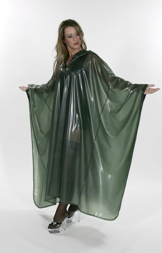 Cape in grün | Latex | Pinterest | Capes, Portal and Green