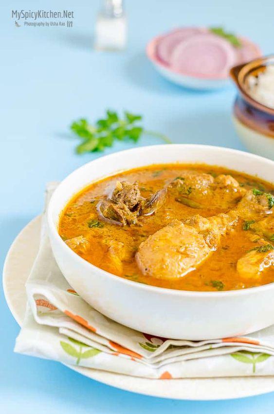 Chicken Curry with Cashew Powder - MySpicyKitchen