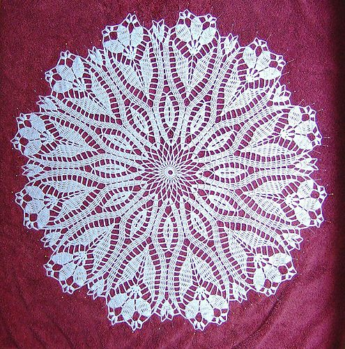 Ravelry: Crocus Doily pattern by Hartmut Hass. Pattern is free on Ravelry.com