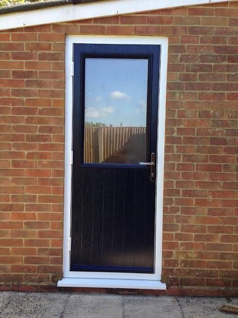 4 Square Composite Front Door in Oak & Oak Frame | Composite Doors ...