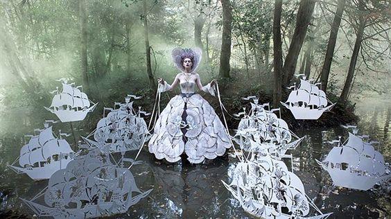 Fantasías en el lago (© BBC Mundo - Kirsty Mitchell)...