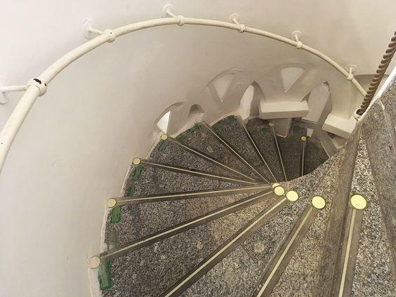 Винтовая лестница, ведущая в музей. Фото: Evgenia Shveda
