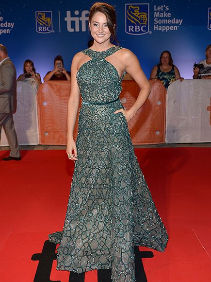 Actress Shailene Woodley wore our Classic Chain Silver Celestial Orb Ring with Oval Brazilian Green Jade and Tsavorite to the '#Snowden' premiere during the 2016 #Toronto International Film Festival. #MyJohnHardy #TIFF #TIFF16