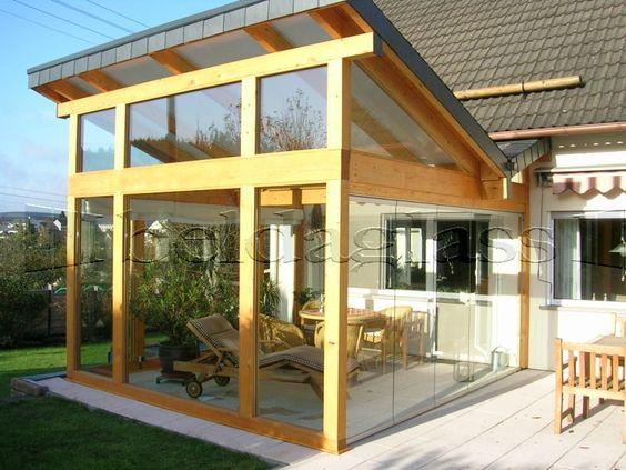 Cerramiento de porche de madera con acristalado de - Cerramientos para patios ...