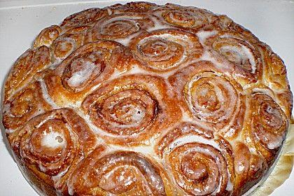 Zimtrollen-Kuchen, ein sehr leckeres Rezept aus der Kategorie Kuchen. Bewertungen: 995. Durchschnitt: Ø 4,7.