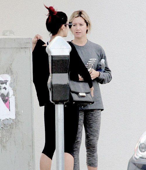 Ashley leaving Wundabar Pilates with Vanessa in Studio City - Oct 16, 2014