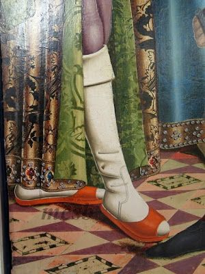 Stockings. Shoes. 1495. The flogging, Alonso de Sedano, Burgos Cathedral Museum (detail):