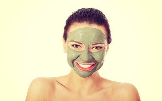 As melhores máscaras detox para seu tipo de pele e bolso - Livre o seu rosto das toxinas e garanta uma pele facial mais saudável com estas dicas de máscaras de desintoxicação. http://lovys.com.br/lovysmag/beleza/tratamentos/as-melhores-mascaras-detox-para-seu-tipo-de-pele-e-bolso