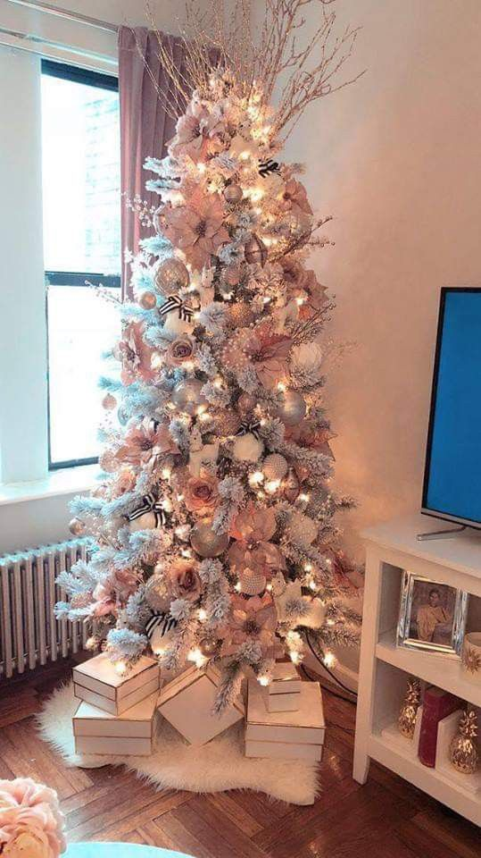 Pin By Tia Range On The Decor Is Marvellous Darling Rose Gold Christmas Tree Pink Christmas Tree Decorations Christmas Tree Inspiration