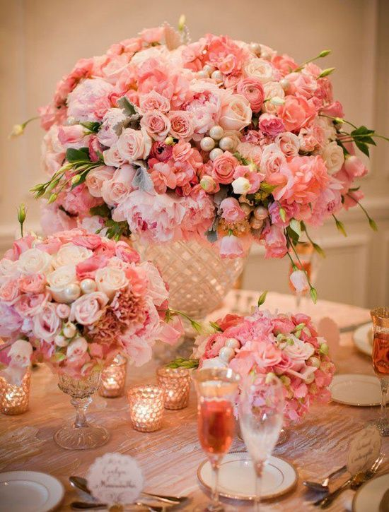 wow Big beautiful bouquet for table. Wedding in pink peach creams