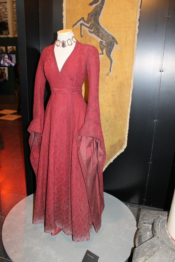 Red dress 1946 symbolism 33