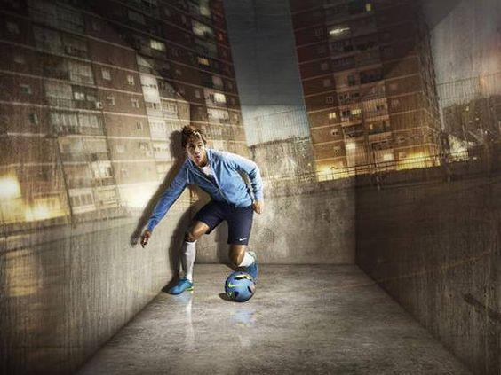 Neymar (Santos) em ação para o lançamento de linha de calçados da Nike