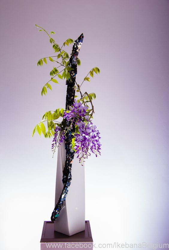 Floral Art: Ilse Beunen  www.ikebana.be   Photography: Ben Huybrechts www.benhuybrechts.com