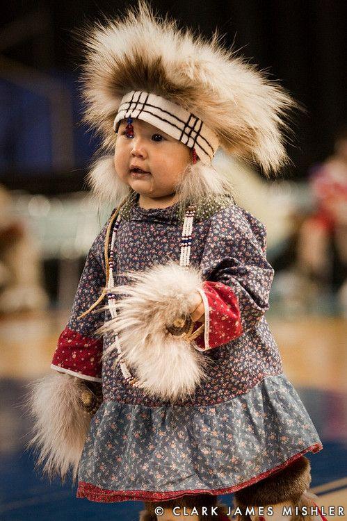 Bimba indiana d'Alaska... che abbigliamento... Native American Indian Girl, Alaska