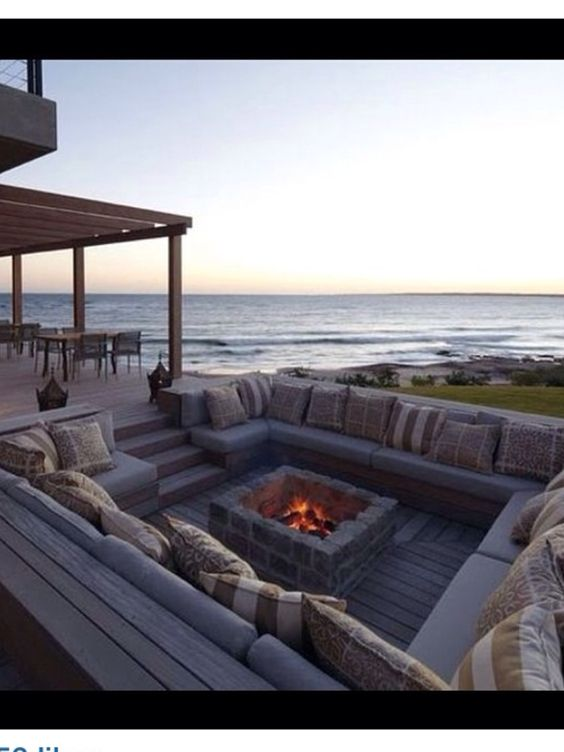 Sunken fire pit seating area love it garden and out for Sunken outdoor seating