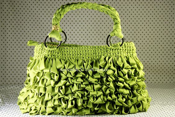 Free Crochet Bag Tutorial: Shaggy Bag With Lining.