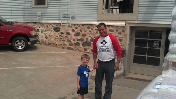 Bob V and the little guy! | BBQ Weekend! | Pinterest | Bobs and Guys