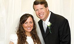 What makes a marriage work?  Check out these healthy marriage tips from Jim Bob Duggar of 19 Kids and Counting.