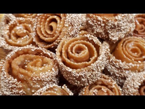 حلوى رمضانيه جديدة روعة الحلوى الملفوفة جديد حلويات رمضان بمقادير بسيطة موجودة في كل بيت Youtube Yummy Treats Desserts Mirror Glaze Cake