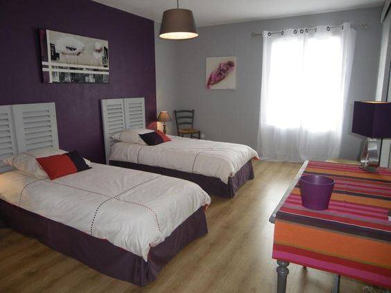 Id e peinture chambre couleurs aubergine gris chambre parents pinterest for Peinture couleur aubergine