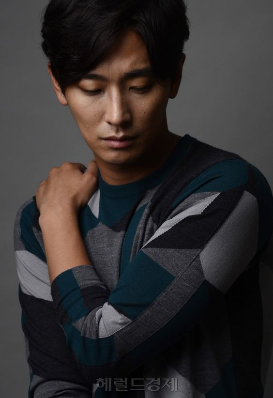 Joo Ji Hoon on @dramafever, Check it out!