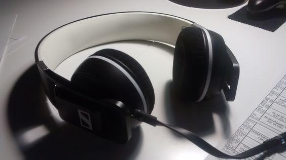 Best Headphones - Daily Artworks #063