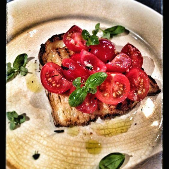 Instagram photo by @juleschef1 via ink361.com : Bruschetta de tomates