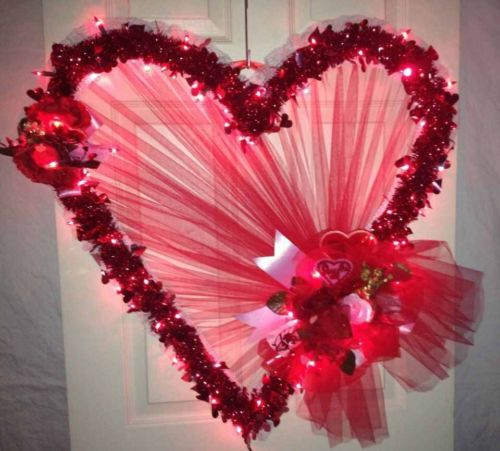 Lighted valentine heart door wreath 32 pink and red in for Led wreath outdoor