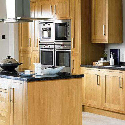 Solid oak fitted kitchens and frames on pinterest for Kitchen 0 finance wickes