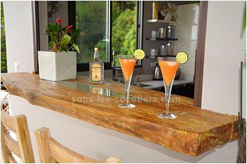 Pas mal le passe plat en bois brut massif pour le bar for Cuisine avec passe plat bar