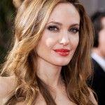 Esmerlere Yakışan Saç Renkleri  http://www.yenisacmodelleri.com/esmerlere-yakisan-sac-renkleri.html: Haircolor, Angelina Jolie, Honey Highlights, Hairstyle, Hair Style, Brown Hair Color, Color Idea, Hair Colour