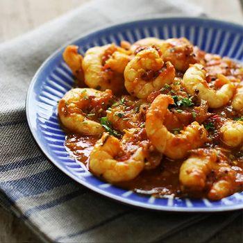 Pittige garnalen in een rijke tomatensaus ♥ Foodness - good food, top products, great health