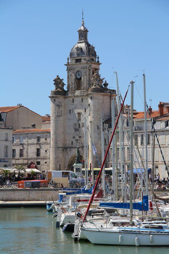 La Rochelle, superbe ville que vous pouvez visiter en compagnie de Colette et de Jean-Yves. www.myweekendforyou.com